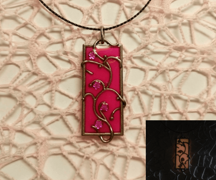 Кулон Цветущая лиана (розовый)