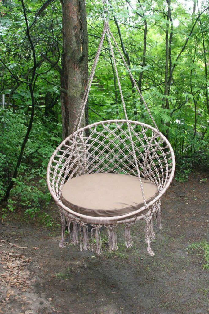 Плетеные кресла на обруче